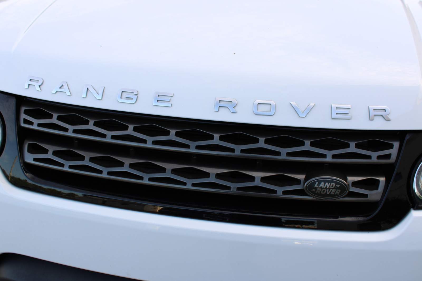 Pre-Owned 2017 Land Rover Range Rover Sport SE